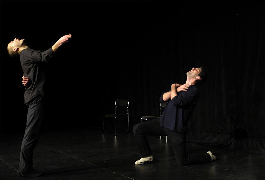 Ritualisiertes Theaterspielen - Foto Gianni Sarto
